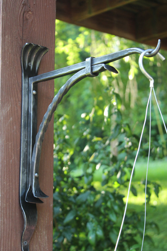 Plant Hanger Decorative Iron Wall Mounted Plant Bracket