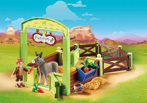Horse Stall with Snips and Senor Carrots