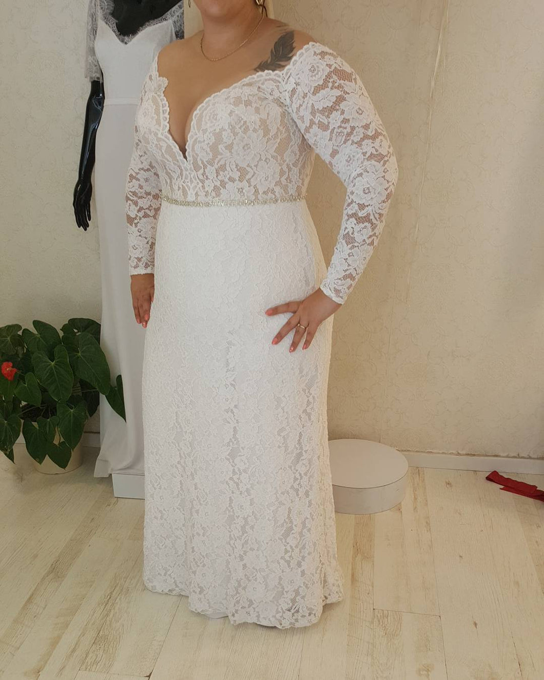 #6dbf - Long Sleeve Lace wedding dresses for plus size brides -
