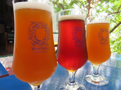 a flight of beers at Vunetovo Brewing (Hvar, Croatia) - Sudsy Style - beer fashion for your beer passion