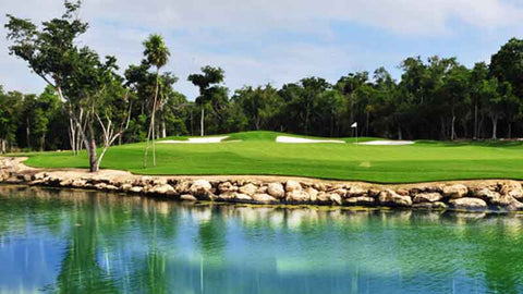 Riviera Maya beautiful course with lots of lakes