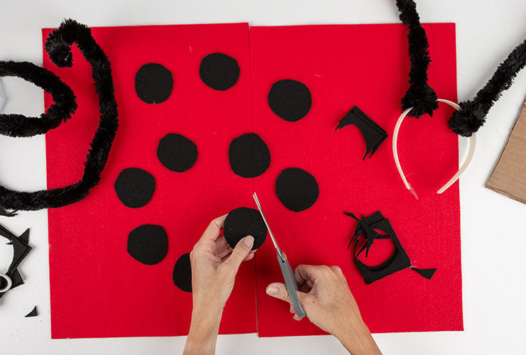 Ladybug costume for Dogs, wings step 1