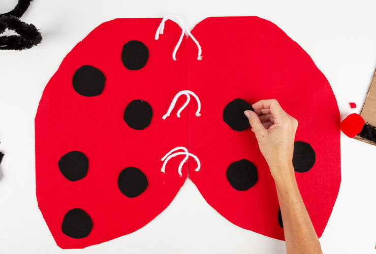 Ladybug costume for Dogs, wings step 6