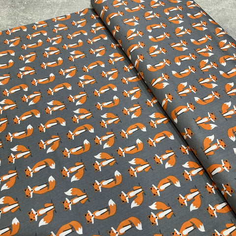 Robert Kaufman: Fabulous Foxes Grey