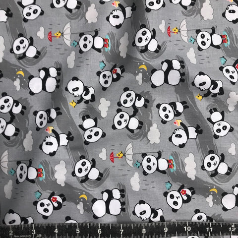 Riley Blake: Panda Love - Panda Love Toss Light Grey