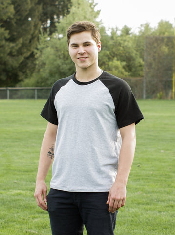 Thread Theory: Sayward Raglan (Variation 2 - short sleeves)