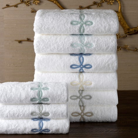 Gordian Knot Guest Towels
