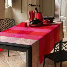 Fleurs De Kyoto Table Cloths