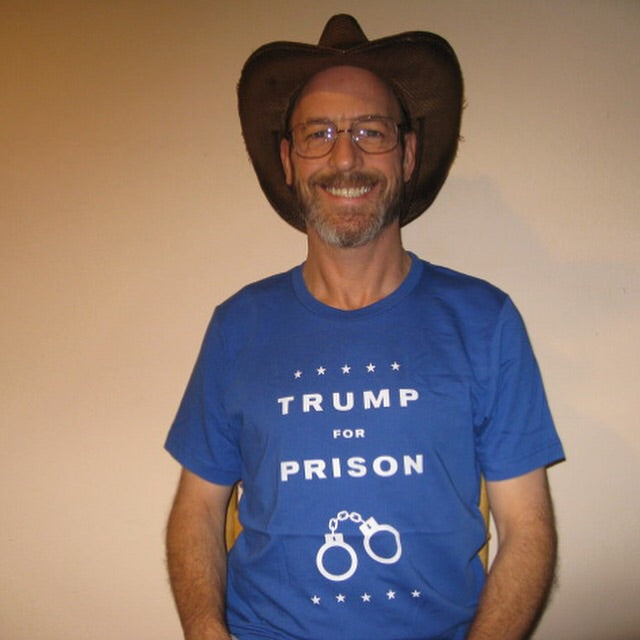 Men's Trump For Prison Basic T-Shirt