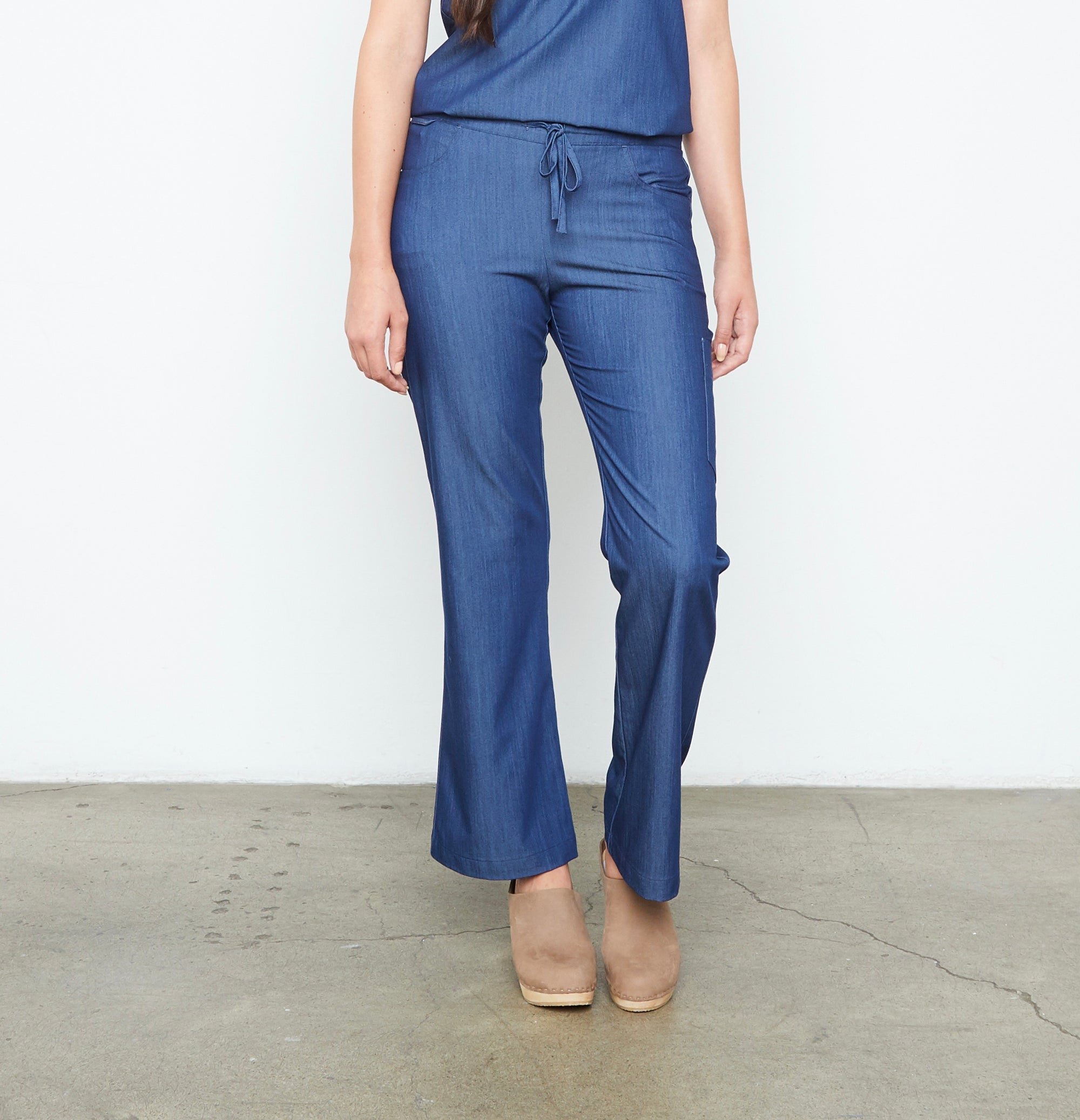 Maverick Pant - Tall (Neptune Dust) XXS | Fabled makes beautiful high quality scrub pants for women. Scrubs fashion for women doctors and female medical workers.