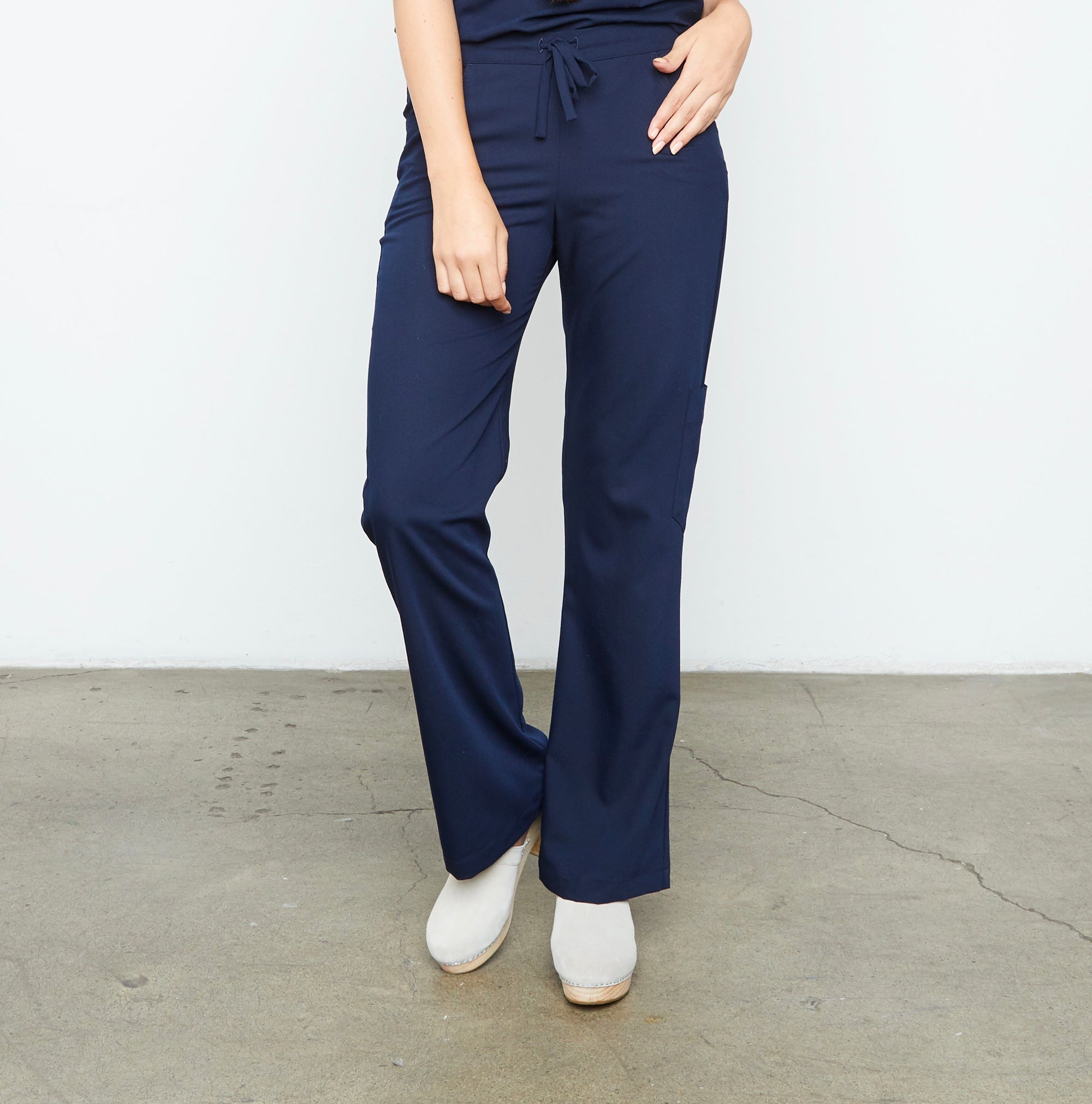 Maverick Pant - Petite (Really Dark Navy) XXS | Fabled makes beautiful high quality scrub pants for women. Scrubs fashion for women doctors and female medical workers.