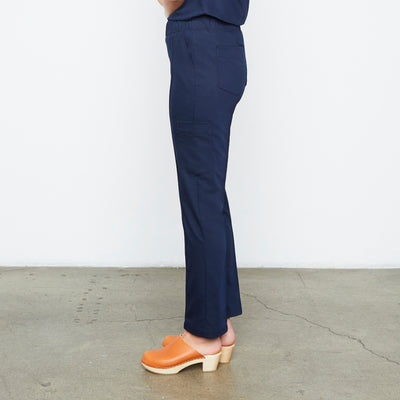 Harley Pant (Really Dark Navy) | Fabled offers cute pediatric scrubs, stylish scrub bottoms, and scrubs female surgeon and medical professionals will love!