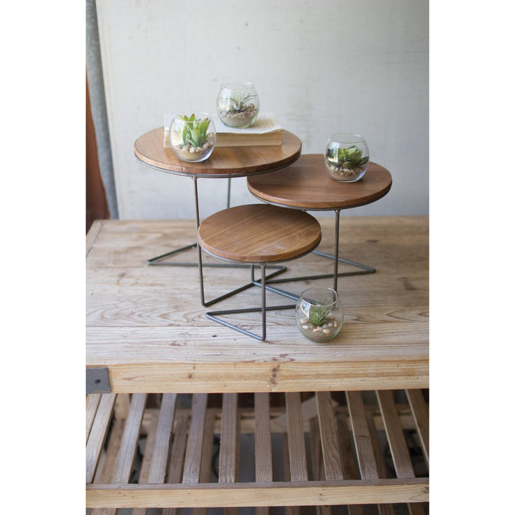 Round wire risers with wood tops