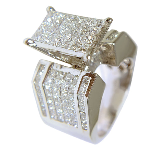 14 KT WHITE GOLD WONDERFUL PRINCESS DIAMOND RING - 2.86 CT