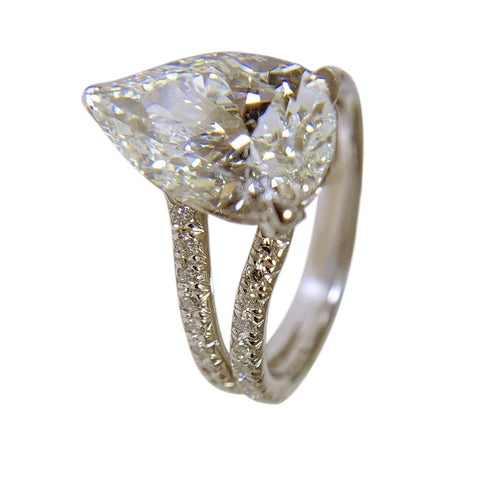 PLATINUM DIAMOND WOMENS RING - 4.09 CT