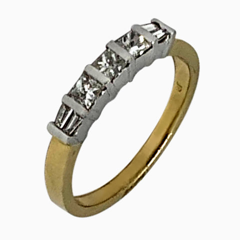 14 KT YELLOW GOLD PRINCESS & BAGUETTE ENGAGEMENT RING - 0.75 CT