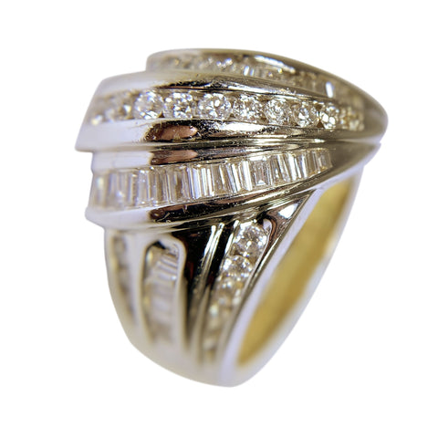 14 KT YELLOW AND WHITE GOLD RD/BG DIAMOND RING - 3 CT