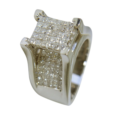 14 KT WHITE GOLD - PRINCESS DIAMOND ANNIVERSARY RING - 3.28 CT