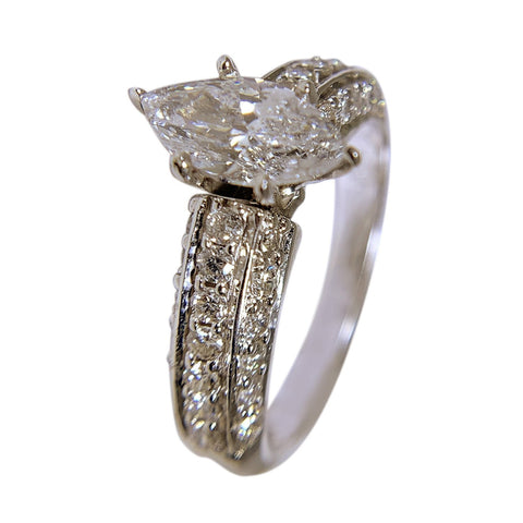 14 KT WHITE GOLD - MARQUISE DIAMOND GORGEOUS RING - 2.39 CT