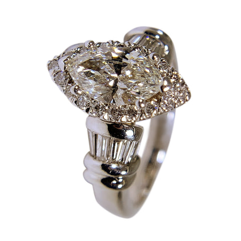 18 WHITE GOLD MARQUISE DIAMOND WOMENS RING - 1.78 CT