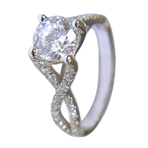 14 KT WHITE GOLD - GORGEOUS DIAMOND RING - 1.81 CT