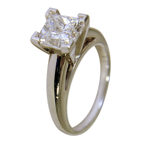 14 KT WHITE GOLD PRINCESS ENGAGEMENT WOMENS RING - 1.97 CT