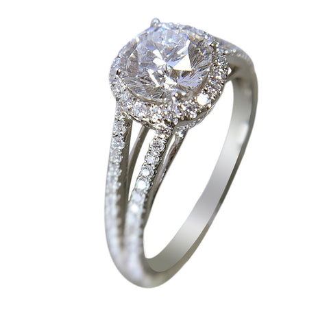 18 KT WHITE - GOLD DIAMOND RING - 2.17 CT