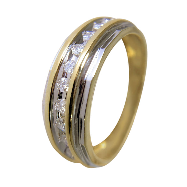 10 KT TT GOLD - WEDDING BAND WITH SPECIAL DESIGN ROUND DIAMONDS - 0.23 CT