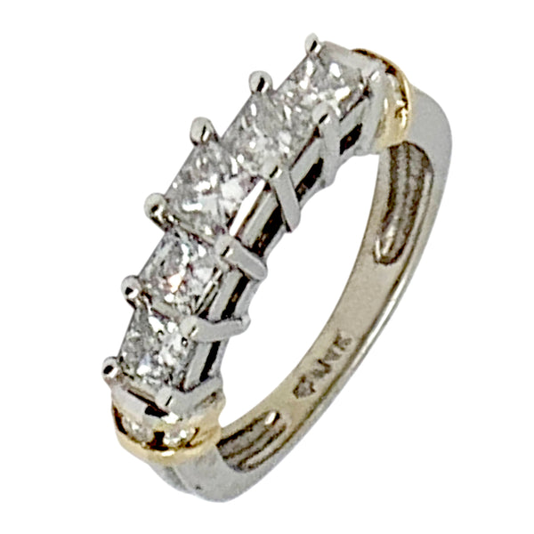 14 KT WHITE GOLD PRINCESS DIAMOND 5 STONES ENGAGEMENT RING - 0.85 CT