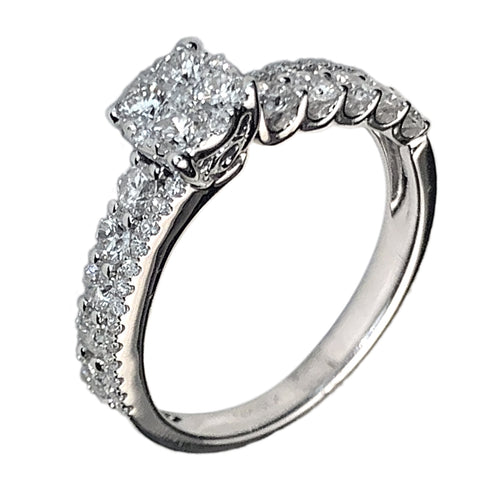 14 KT WHITE GOLD GORGEOUS ENGAGEMENT RING - 0.91 CT