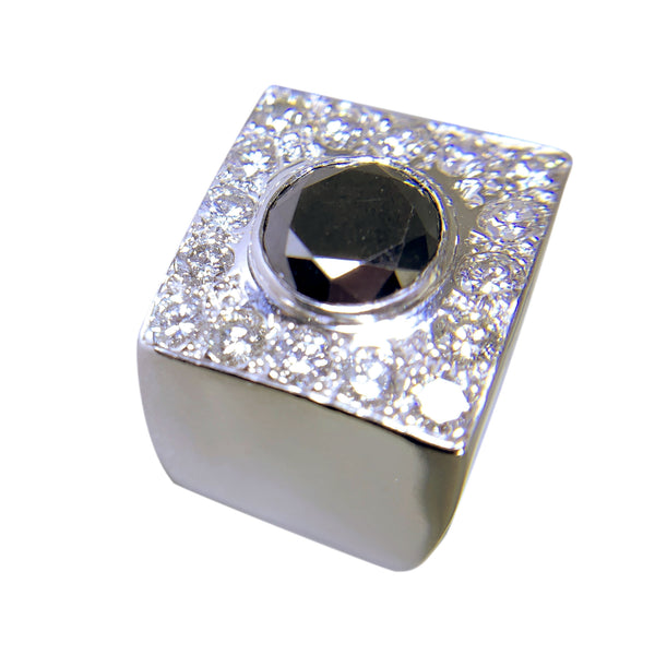 14 KT WHITE GOLD - PINKY RING WITH BLACK AND WHITE DIAMONDS - 3.68 CT