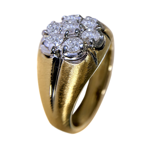 14 KT YELLOW GOLD -  FLOWER DESIGN WITH ROUND DIAMONDS RING - 1.50 CT