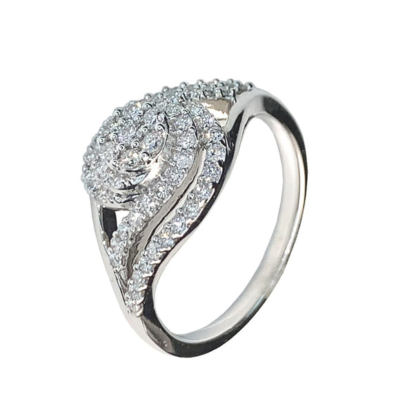 10 KT WHITE GOLD DIAMOND RING - 0.51 CT