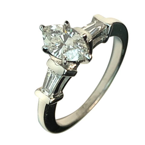 14 KT WHITE GOLD GOGEOUS MARQUISE DIAMOND ENGAGEMENT RING - 1.30 CT