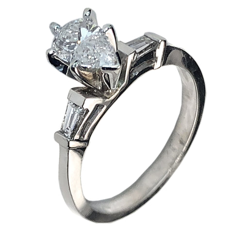 14 KT WHITE GOLD GORGEOUS PEAR DIAMOND ENGAGEMENT RING - 1.2 CT