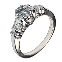 14 KT WHITE GOLD DELICATED ENGAGEMENT RING - 0.78 CT