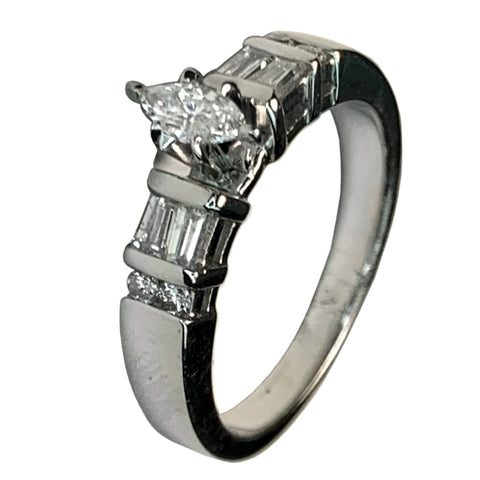 14 KT WHITE GOLD MARQUISE DIAMOND RING - 0.56 CT
