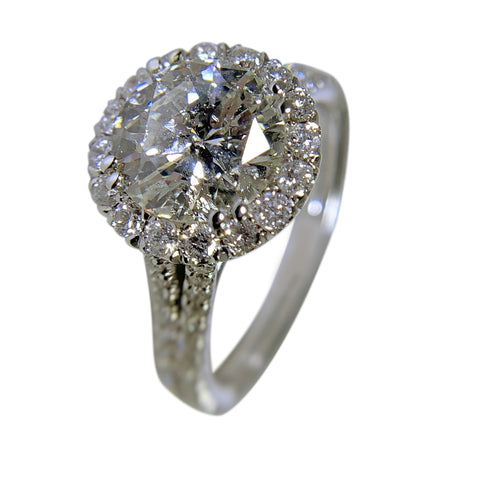 18 KT WHITE GOLD ENGAGEMENT RING - 3.03 CT