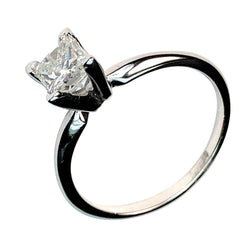 14 WHITE GOLD PRINCESS DIAMOND ENGAGEMENT RING - 0.96 CT