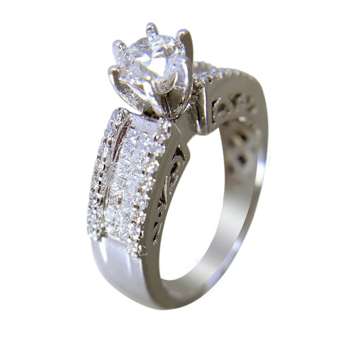 14 KT WHITE GOLD - GORGEOUS DIAMOND RING - 1.6 CT