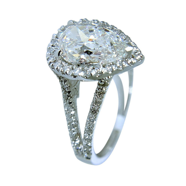 14 KT WHITE GOLD - PEAR DIAMOND RING - 2.73 CT
