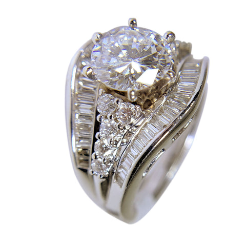18 KT WHITE GOLD GORGEOUS DIAMOND RING - 3.00 CT