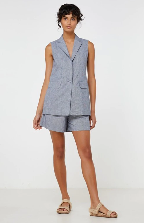 LEANDRA SLEEVELESS JACKET