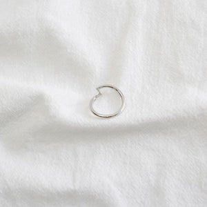 Wholesale Sterling Silver Minimalist Ring with Line Chain 4
