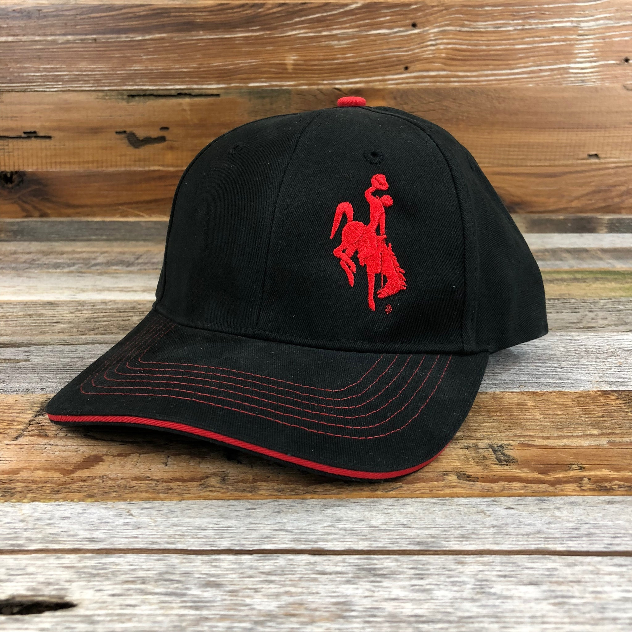 1890 Bucking Horse Hat- Black/Red