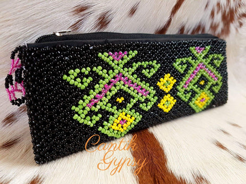 Cantik Gypsy Malam Pouch Borneo Collection