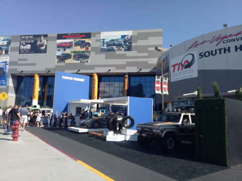 SEMA 2017, 31 Oct - Outside South Hall