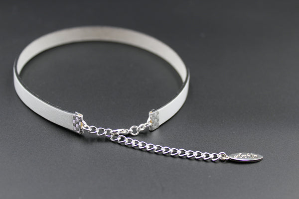 silver adjustable length clasp on narrow white leather choker with black edging arthlin jewlery