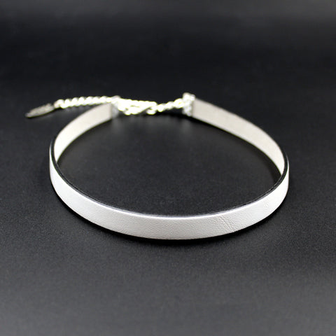 Narrow white leather choker with black edging arthlin jewelry