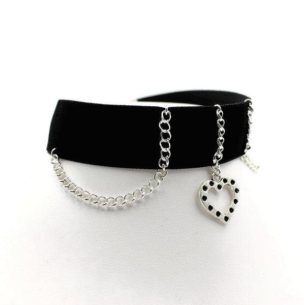 side view of black velvet choker with thin silver chain and silver heart pendant with black beaded accents arthlin jewelry